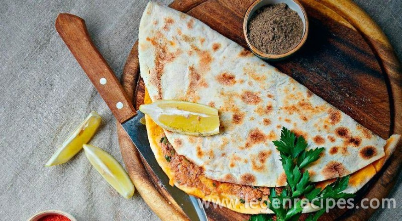 Lamadzho, tortillas with spicy meat filling