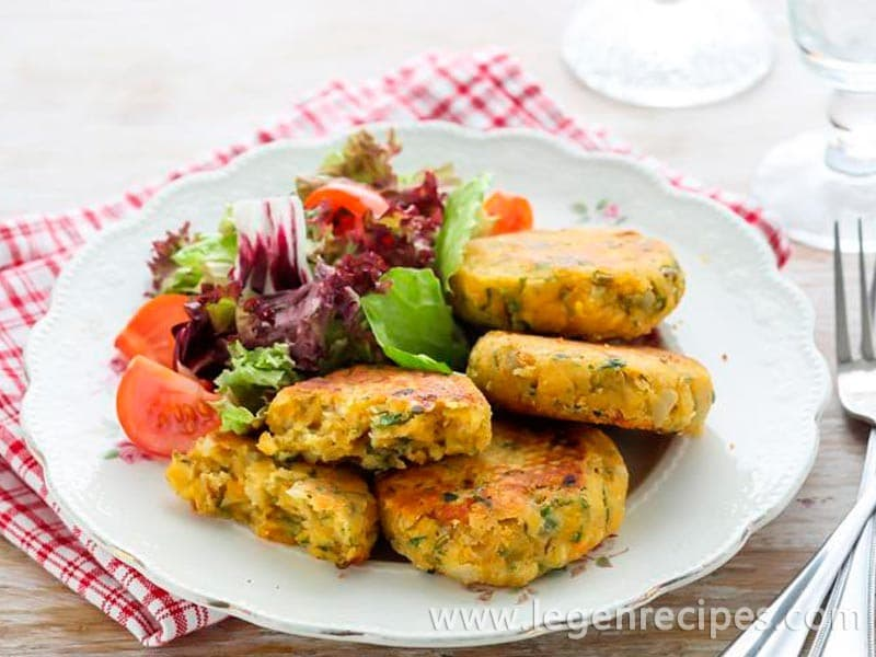Lentil patties with olives