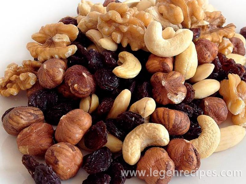 Nuts: the top 10 most delicious