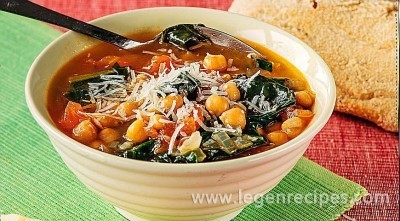 Soup with chickpeas and spinach