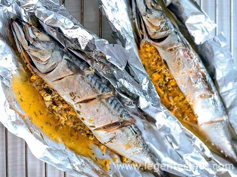 Baked in foil mackerel