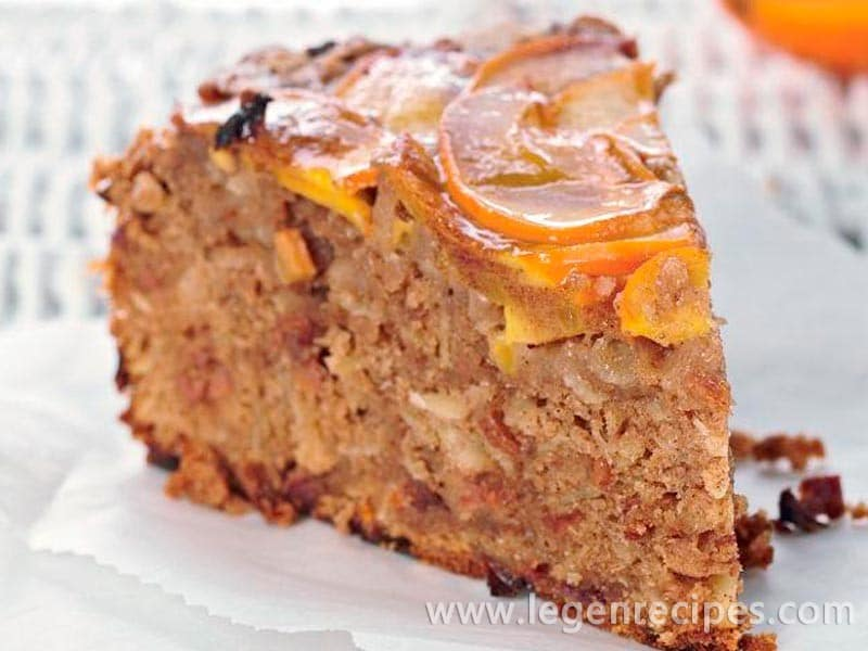 Cake with persimmon and cognac