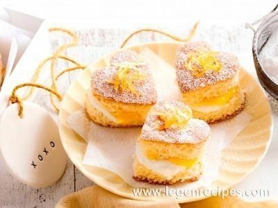 Little lemon sponge cake hearts