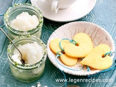 Margarita crush with passionfruit shortbread