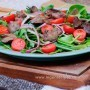 Salad with chicken liver