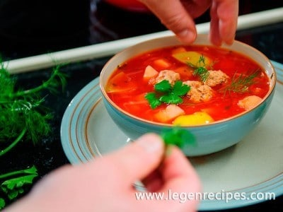 Soup with apples