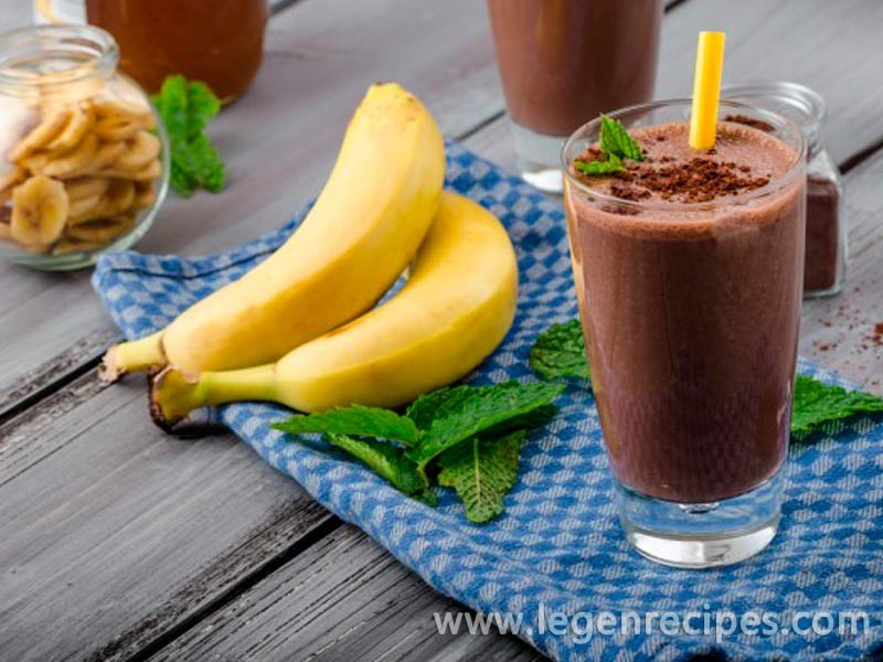 Banana-chocolate milkshake