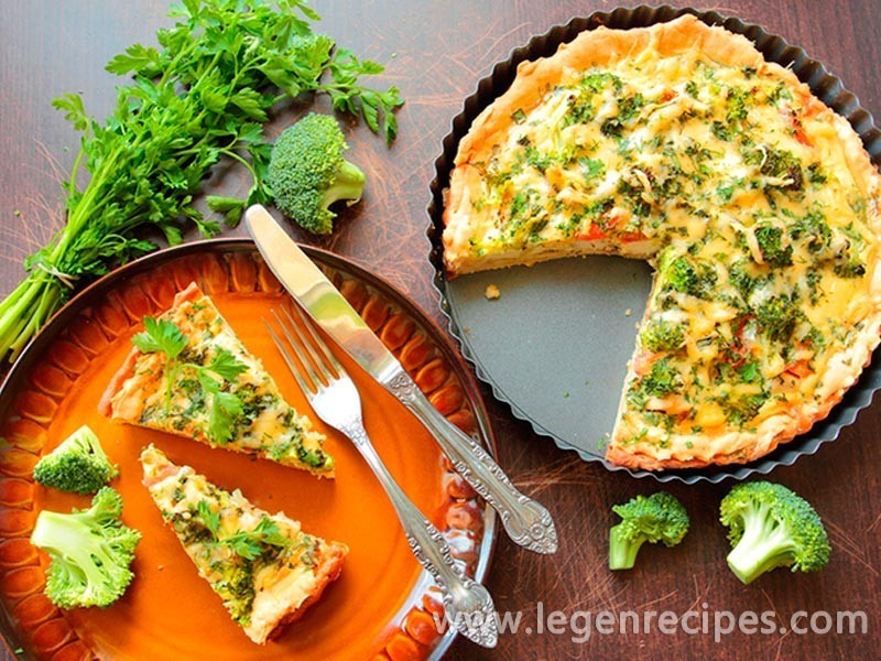 Cabbage pie: recipe with broccoli and cheese