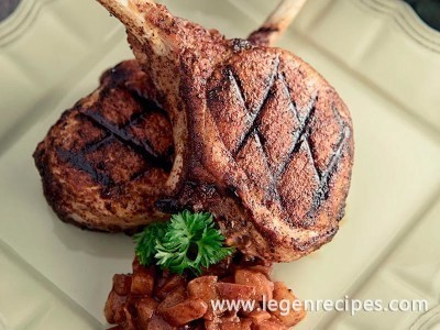 Cinnamon Pork Chops with Spiced Pear Chutney Recipe
