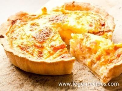 Loranskaya pie with chicken and mushrooms