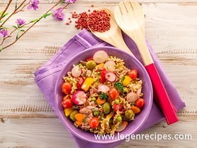 Salad with tuna: cook Italian