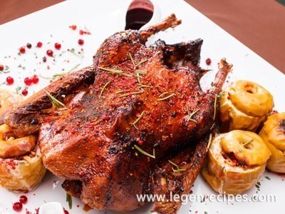 Stuffed duck recipe with rice, apples and citrus