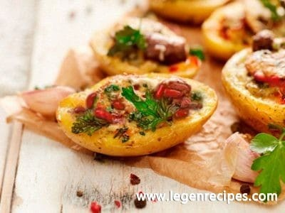 Baked potato with filling