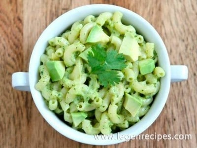 Creamy Stovetop Avocado Mac and Cheese Recipe