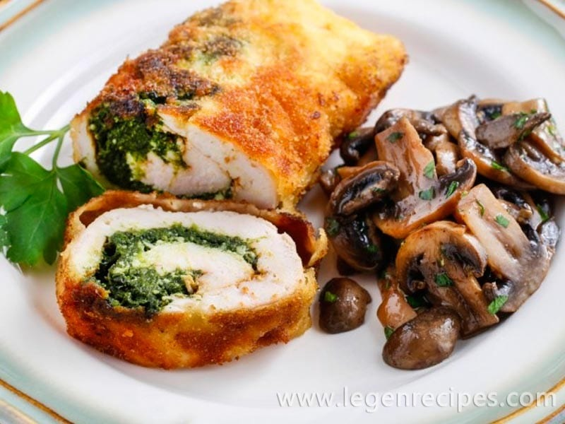 Recipe for chicken roulade with spinach and mushrooms