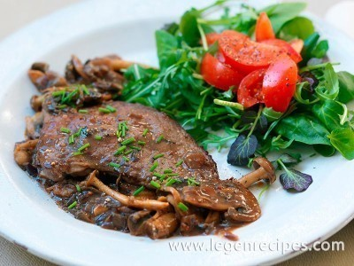Steak with mushroom sauce