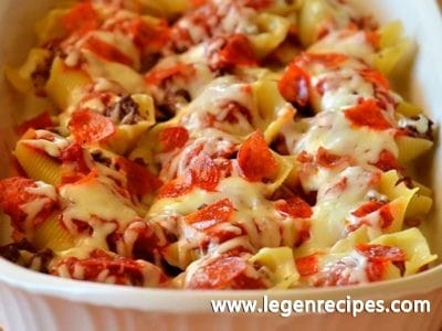 Pizza-Stuffed Pasta Shells