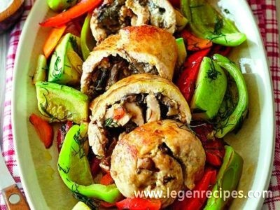 Rolls of Guinea fowl with mushrooms