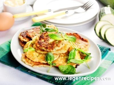 Zucchini fritters: recipe with minced meat