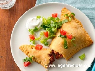 Taco-Stuffed Triangles